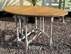 Oak dining table drop leaf kitchen Shabby Chic seats 4-6 Lovely patina Grey