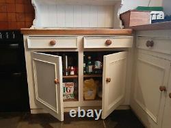 Preowned shabby chic cottage style kitchen, solid wood cabinets shelves, inc. Oven